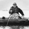 手賀沼で釣りをする山村聰さん